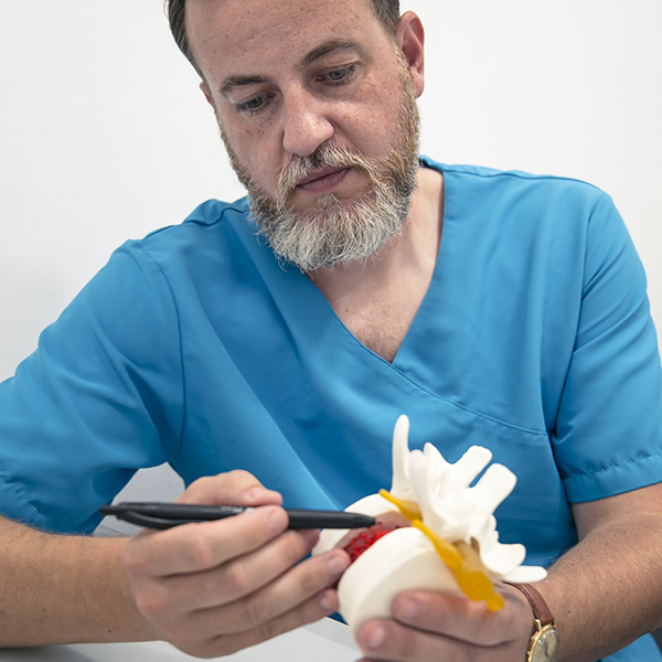 Mario Soriano tratamiento osteopatia instituto veterinario otros cursos